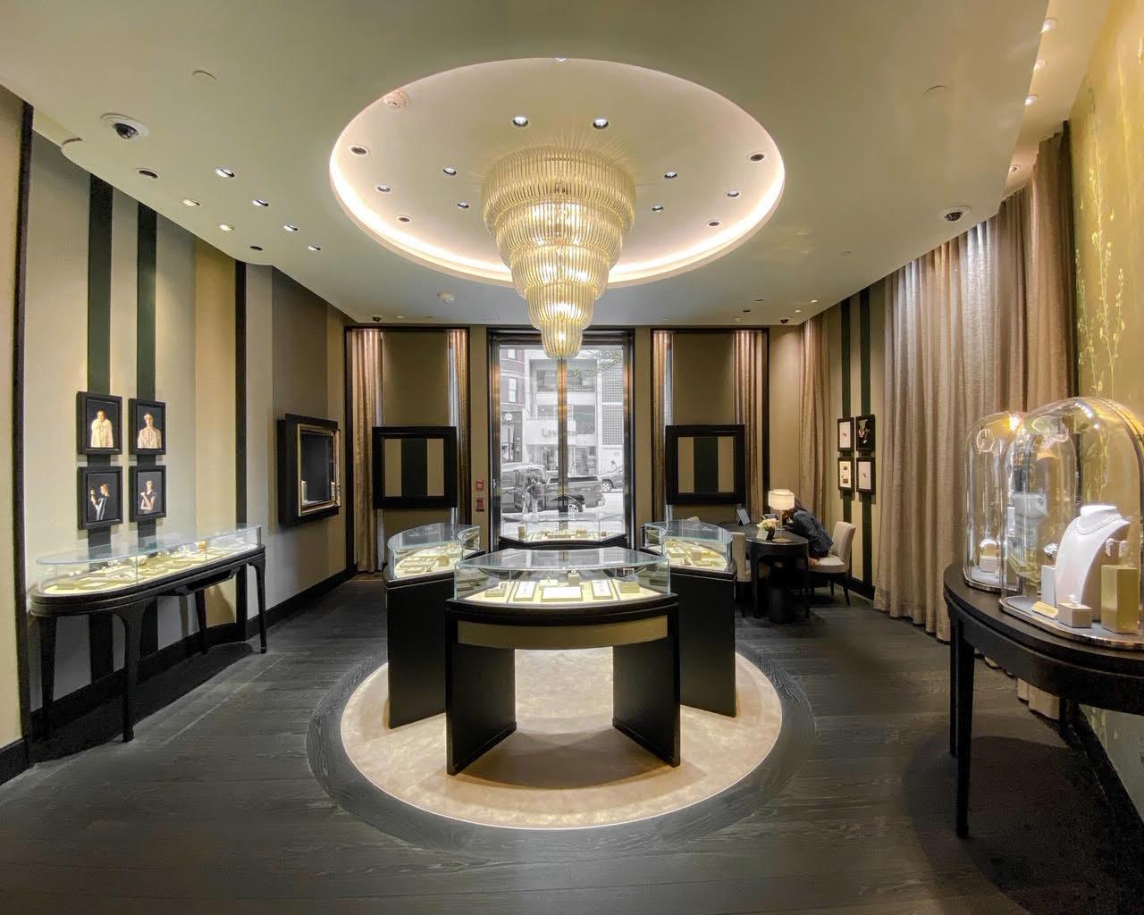 Van Cleef & Arpels store interior