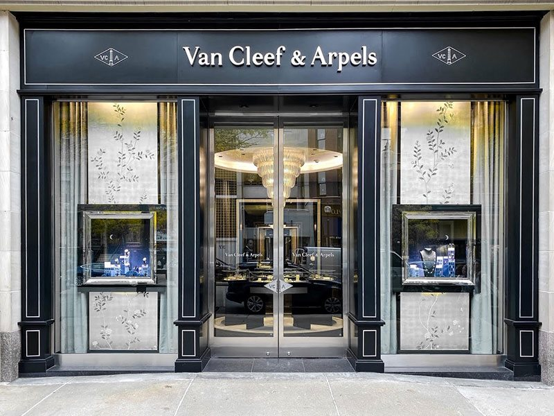 Van Cleef & Arpels store exterior